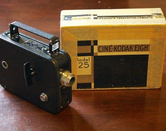 1930's Cine-Kodak 8mm Model 25 Movie Camera With Original Box / Works!