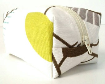 Green/Brown/cream/blue/white leaf/leaves/nature toiletry/travel/accessory/cosmetic bag/pouch/storage/case