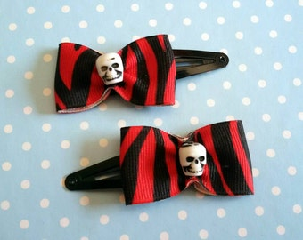 Couple of small hairclip for rockabilly hair style