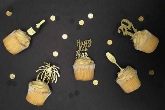 New Years cupcake toppers. New years eve party. 10 cupcake