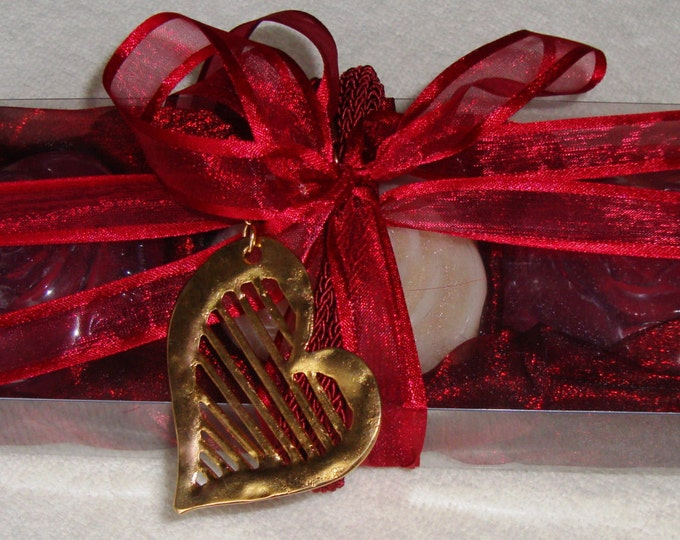 Valentine Gift for her, Gift Set for Women, Luxury Scented Soap Box, Gold Red Heart Necklace, Valentines Day, Mother Day Gift, Birthday Gift