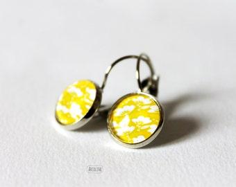 Rhinestone iuminous earrings cabochon flower yellow