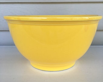 Vintage Fiestaware Mixing Bowl - yellow - no markings - 8 inch - American Ceramic - 1940's