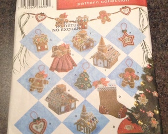 Simplicity 4810 Holiday Pattern Collection  Elaine Heigl Cookie Ornaments Swag Stocking Tree Tropper Church House Christmas
