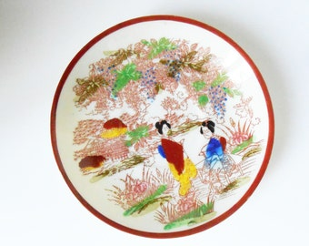 Japanese geisha, Oriental scene porcelain shell of egg - saucers