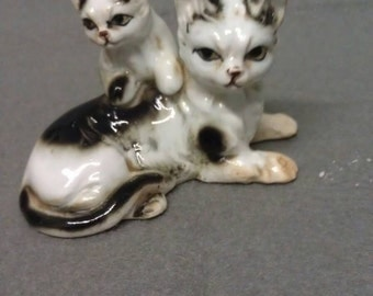 Cat with Kitten on Back Fighrine