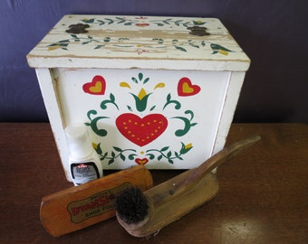 Vintage Painted Wooden Shoe Shine Box With Barton's Dyanshine Shoe Polish Brush