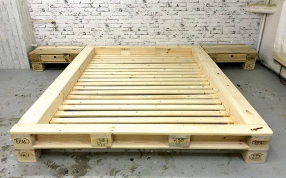 futon de palettes lit new york sans t te de lit. Black Bedroom Furniture Sets. Home Design Ideas
