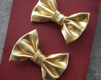 Gold Bow Baby Girl Hair Clips, bow hair clips, baby hair clips, gold, metallic, hair clips, bow, hair bow