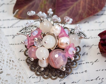 shabby chic brooch,  wedding brooch,  tattered brooch, lace bead brooch,  shabby brooch, flower brooch, brooch vintage style, corsage brooch