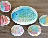 Painted stone, sasso dipinto a mano. Fish