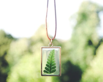 Fern Pendant. Nature Jewelry Unique Women Gift. Necaklce. Real Dried Flower, green jewellery. gift for her. FREE UK Shipping