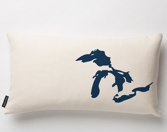 Great Lakes Pillow in Off-white with fill
