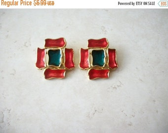 ON SALE Vintage Colorful Chunky Enamel Clip On Earrings 8116