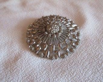 Stunning Vintage Silvertone Brooch