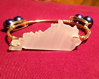 White Glitter Kentucky with Blue Pearls Wire Bangle Bracelet