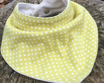 Free Shipping!! Baby Bib - Bandana Bib Green - Small Dots