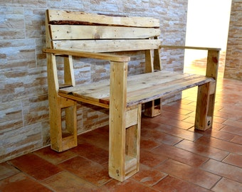 Pallet Bench. Outdoor bench.