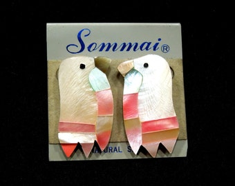 VINTAGE: 1980's - Sommai Neural Mosaic Eagle Head Shell Earrings - Mother of Pearl Earrings - MOP - Shell Earrings - (12-A5-00005967)