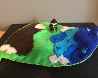 Leaf shaped playmat