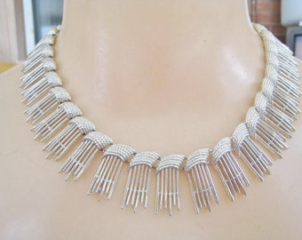 Vintage Sarah Coventry Silver Tone Necklace