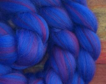 Blue velvet - merino 21 microns - spinning or felting fiber