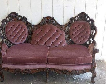 Victorian Vintage Loveseat - Stunning Antique Couch / Sofa - Ready for customization and professional upholstery! Customize me!