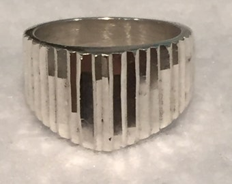 Sterling Ring - size 6.5 - CA 1980's - Item R188