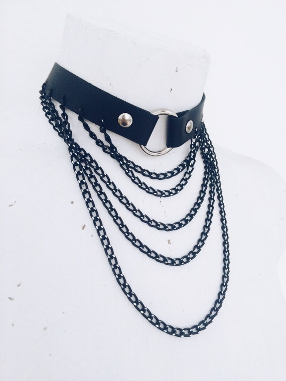 Woman's leather black choker with chains of Isy Mo | harness choker | bdsm choker | bdsm toys