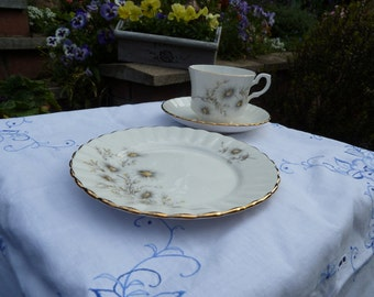 Vintage Teaset 15 piece Salisbury White Daisy Scalloped Edge