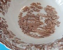"Vintage Tonquin By Franiscan Vegetable bowl 9"" dia"