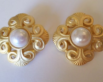 Vintage Gold Tone and Faux Pearl Elegant Clip Earrings