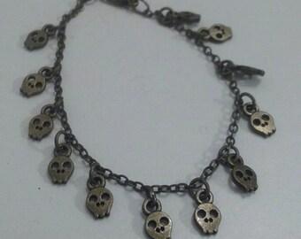 Bracelet charms mini skulls - little skullbracelet
