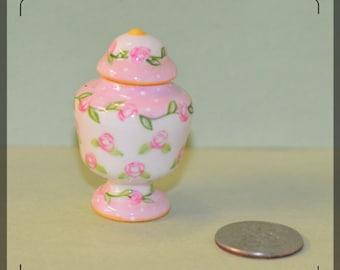 1:12 Dollhouse Miniature jar/ miniature pot/ dollhouse urn C2