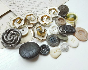 Vintage buttons soup Mixed lot Buttons Vintage Supply Old plastic buttons