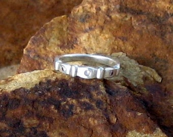 Sterling Silver Ladies Ring with handmade scallop design