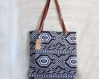 Tribal BW Bag with Inside Pocket