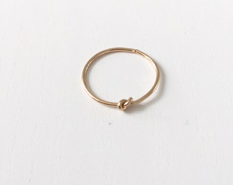 Thin knot ring