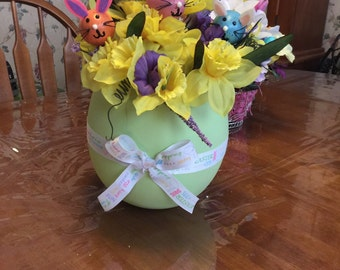 Large Easter egg floral with bunnies
