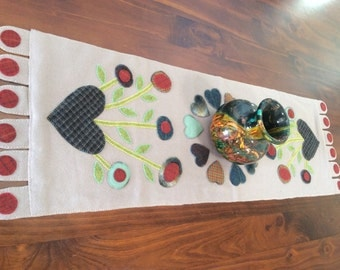 Hearts 'N' Flowers Penny Rug Table Runner (Pattern Only)