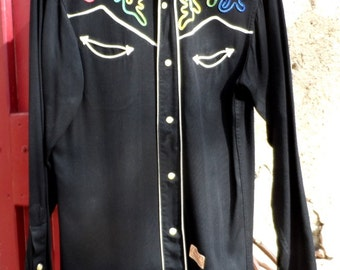 Vintage MILLER Western shirt with smiley pockets and pearl snaps