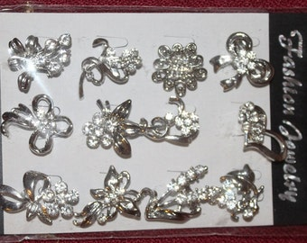 pack of 12  diamantee crafting brooches