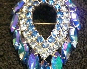 Vintage Sarah Coventry rhinestone brooch