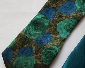 HANDMADE Green Flower Silk Tie