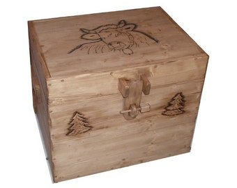 chest moutain wood
