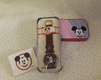 1995 Euro Disney Mickey Mouse Mens Watch, Leather Strap