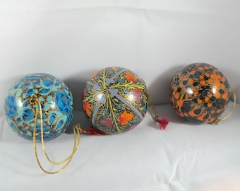 Christmas ball papermache in different colors