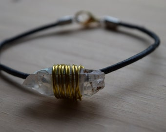 Bracelet with wire wrapped crystal pendant