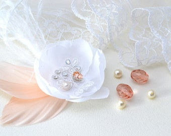 Delicate silk flower and feather pink-clip hair Wedding-Veil-jewelry wedding-Bastienne-bridal adornement-wedding hairstyle-