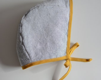 Mustard & Stone Linen Bonnet